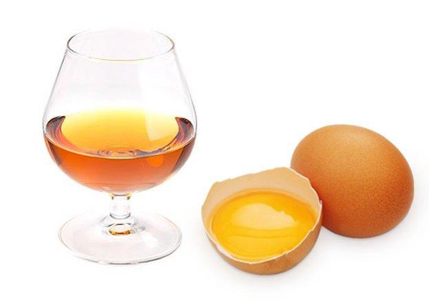 Коньяк и яйцом