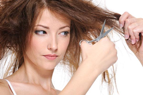 Девушка с сожженными волосами