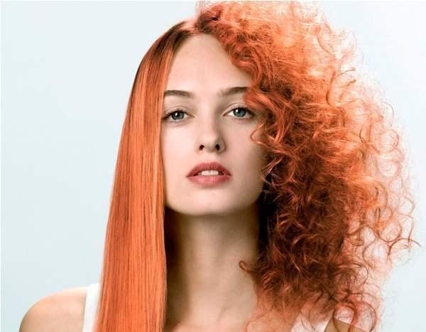 Девушка с рыжими волосами, на половину прямыми, на половину волнистыми