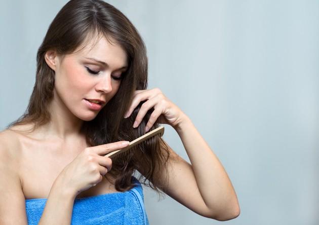 Народные средства для укрепления корней волос против выпадения